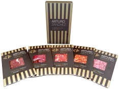 Hand-cut grand reserve iberico cured meats Arturo Sánchez - premium variety box