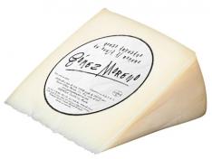Rosemary sheep's cheese wedge Gómez Moreno